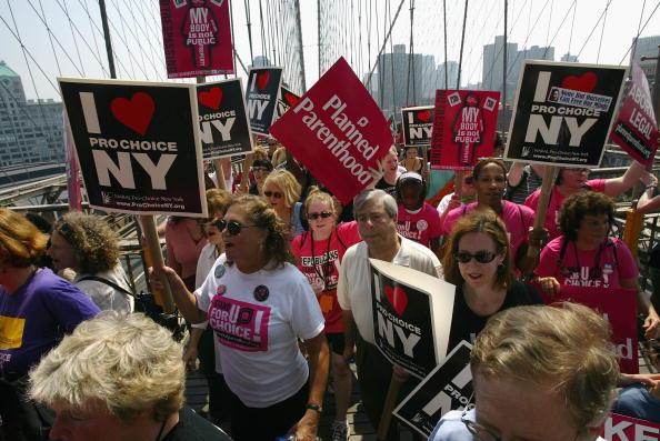 Choice「Pro-Choice Protestors March Across The Brooklyn Bridge」:写真・画像(5)[壁紙.com]