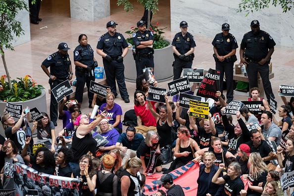 Washington DC「Activists Rally Against Brett Kavanaugh Nomination In Washington DC」:写真・画像(5)[壁紙.com]
