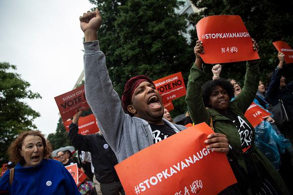 抗議者「Members Of Congress Return To Capitol Hill Amidst New Kavanaugh Accusations」:写真・画像(17)[壁紙.com]