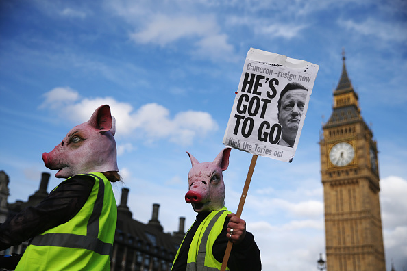 Politics and Government「Tax Loophole Protest Held Outside Downing Street After Panama Revelations」:写真・画像(9)[壁紙.com]