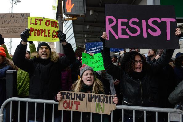 Kennedy Airport「Protestors Rally At JFK Airport Against Muslim Immigration Ban」:写真・画像(5)[壁紙.com]