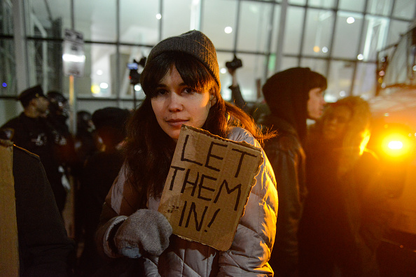 Kennedy Airport「Protestors Rally At JFK Airport Against Muslim Immigration Ban」:写真・画像(8)[壁紙.com]