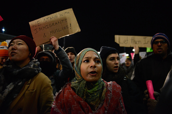 Kennedy Airport「Protestors Rally At JFK Airport Against Muslim Immigration Ban」:写真・画像(9)[壁紙.com]
