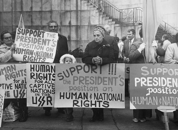 Alertness「Anti-USSR Demo, NYC」:写真・画像(14)[壁紙.com]