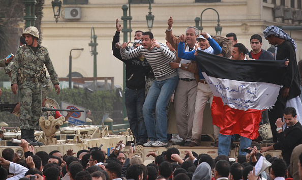 Topics「Anti Government Protesters Take To The Streets In Cairo」:写真・画像(8)[壁紙.com]