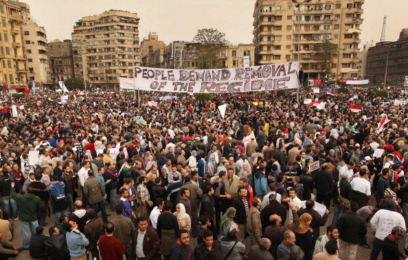 Cairo「Egypt Protesters Continue To Defy Presidential Regime 」:写真・画像(8)[壁紙.com]