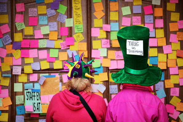 Adhesive Note「State Budget Standoff Continues In Madison, Wisconsin」:写真・画像(8)[壁紙.com]
