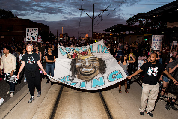 写真「Protests Erupt After Minnesota Officer Acquitted In Killing Of Philando Castile」:写真・画像(8)[壁紙.com]