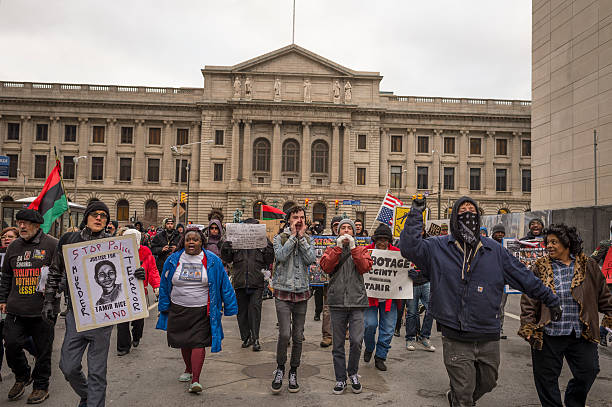 Clevelanders Protest Grand Jury Decision Not To Indict Cops In Tamir Rice Shooting:ニュース(壁紙.com)
