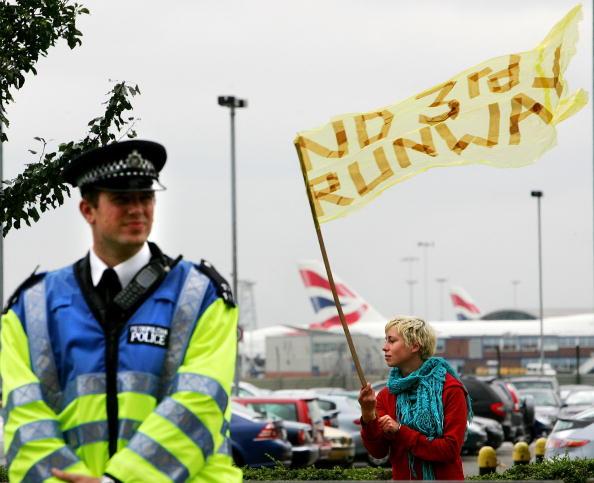 Environmental Damage「Climate-change Protesters Take Action」:写真・画像(6)[壁紙.com]