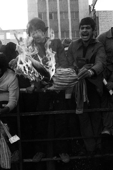 Iranian Culture「Protestors Burn Uncle Sam Effigy」:写真・画像(12)[壁紙.com]