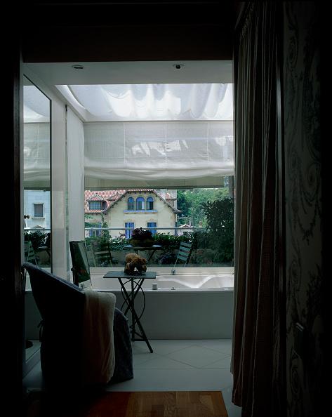 Transparent「View of a balcony area of house」:写真・画像(14)[壁紙.com]