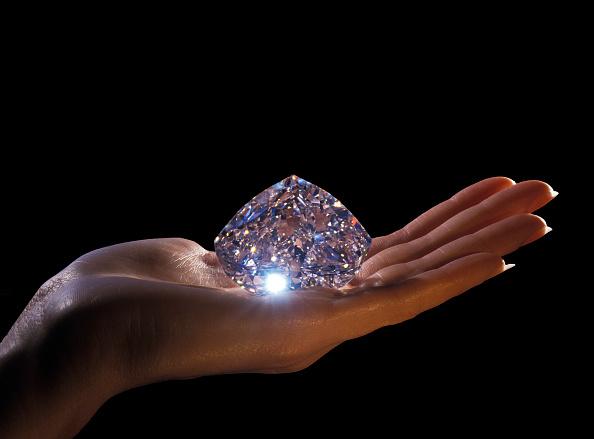 100th Anniversary「Diamonds」:写真・画像(1)[壁紙.com]