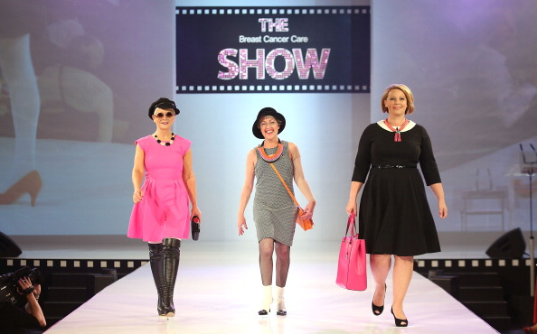 Breast「Breast Cancer Care Fashion Show」:写真・画像(4)[壁紙.com]