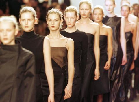 ランウェイ「Calvin Klein Fashion」:写真・画像(4)[壁紙.com]