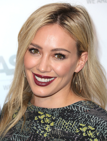 Hilary Duff「Stars Celebrate The ASPCA's Commitment To Los Angeles」:写真・画像(9)[壁紙.com]