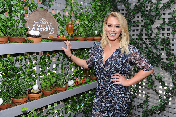 Actress「Hilary Duff Joins Stella Artois To Kick-Off The Summer Entertaining Season With The Launch Of The 'Host One To Remember' Campaign」:写真・画像(18)[壁紙.com]