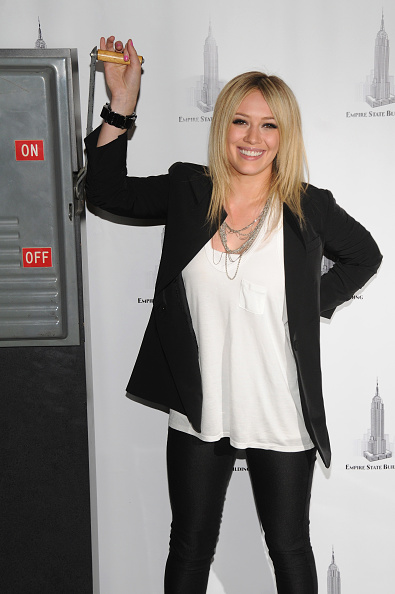 Empire State Building「Hilary Duff Lights The Empire State Building In Honor Of People With AIDS」:写真・画像(12)[壁紙.com]