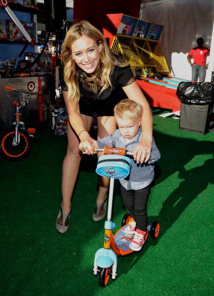 ヒラリー・ダフ「Target Presents The World Premiere Of 'Disney's Planes' At The El Capitan Theatre In Los Angeles」:写真・画像(17)[壁紙.com]
