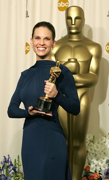 Hilary Swank「The 77th Annual Academy Awards - Deadline Photo Room」:写真・画像(17)[壁紙.com]