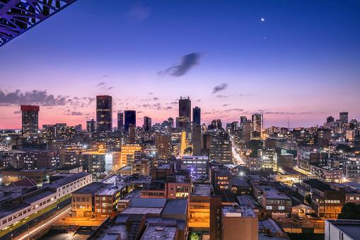 South Africa「Johannesburg evening cityscape, of the city centre」:スマホ壁紙(13)