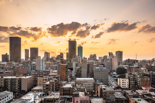South Africa「Johannesburg city centre cityscape panorama at sunset」:スマホ壁紙(13)
