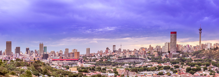 Johannesburg「Johannesburg panoramic under storm clouds」:スマホ壁紙(18)
