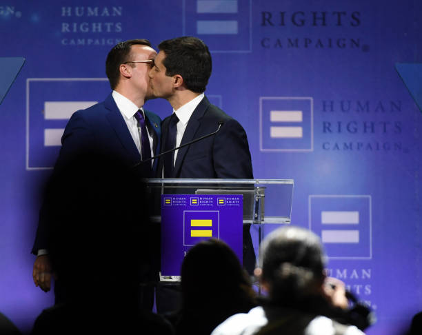 Democratic Presidential Candidate Pete Buttigieg Gives Keynote Address At Human Rights Campaign's Gala In Vegas:ニュース(壁紙.com)