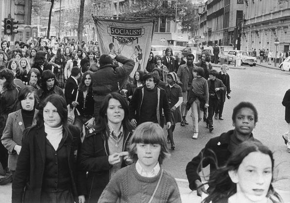 14-15 Years「Children's March」:写真・画像(10)[壁紙.com]
