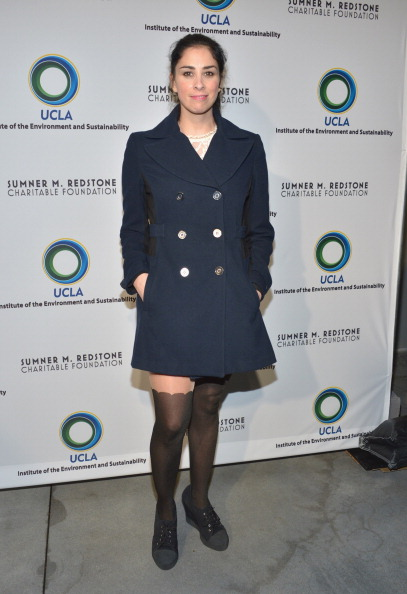 Knee Length「UCLA Institute Of The Environment And Sustainability's 2nd Annual Evening Of Environmental Excellence - Arrivals」:写真・画像(19)[壁紙.com]