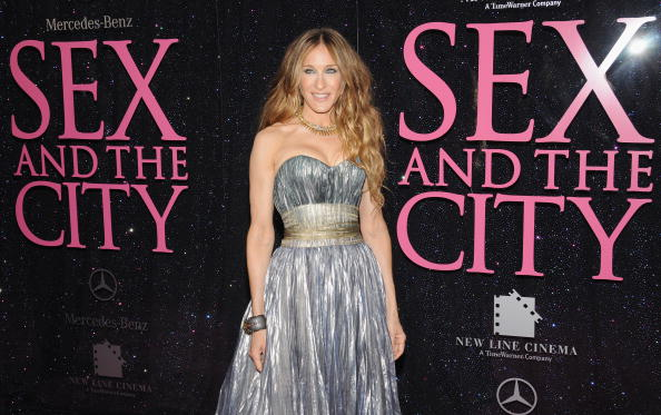 "Sex and the City Film Series「New Line Cinema Premieres ""Sex And The City"" - Outside Arrivals」:写真・画像(2)[壁紙.com]"