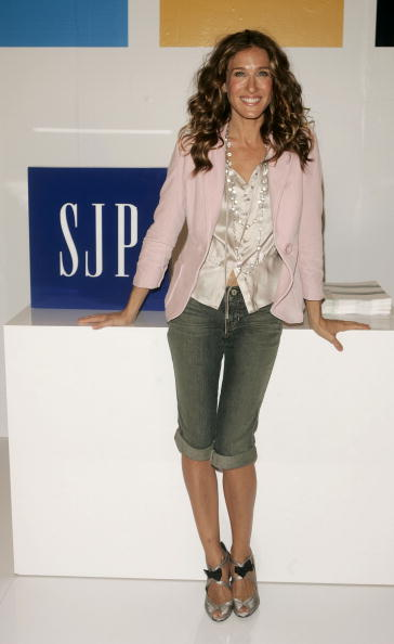 Knee Length「Special Appearance By Sarah Jessica Parker At The GAP」:写真・画像(16)[壁紙.com]