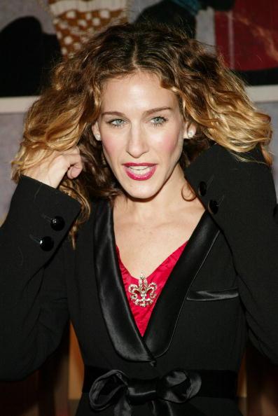 Sash「Sarah Jessica Parker Hosts Cartier Building Red Ribbon Unveiling」:写真・画像(6)[壁紙.com]