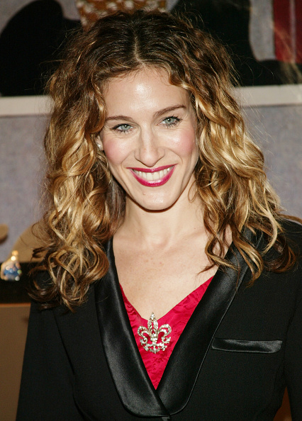 Curly Hair「Sarah Jessica Parker Hosts Cartier Building Red Ribbon Unveiling」:写真・画像(18)[壁紙.com]