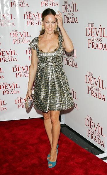 Peeking「20th Century Fox Premieres The Devil Wears Prada - Arrivals」:写真・画像(14)[壁紙.com]