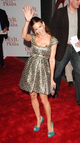 Peeking「20th Century Fox Premieres The Devil Wears Prada - Arrivals」:写真・画像(19)[壁紙.com]