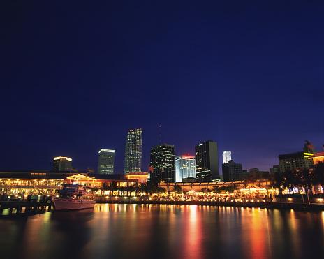 Miami Beach「Harbor at night, Miami, Florida, USA」:スマホ壁紙(13)