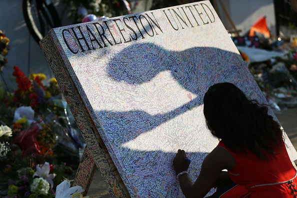 Methodist「Charleston In Mourning After 9 Killed In Church Massacre」:写真・画像(9)[壁紙.com]