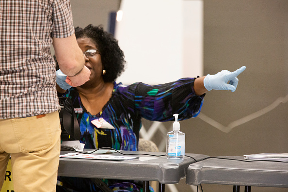 Tallahassee「Florida Holds Presidential Primary Amid Coronavirus Pandemic」:写真・画像(1)[壁紙.com]