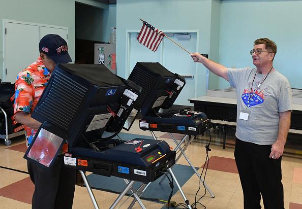 2016年アメリカ大統領選挙「Nation Goes To The Polls In Contentious Presidential Election Between Hillary Clinton And Donald Trump」:写真・画像(1)[壁紙.com]