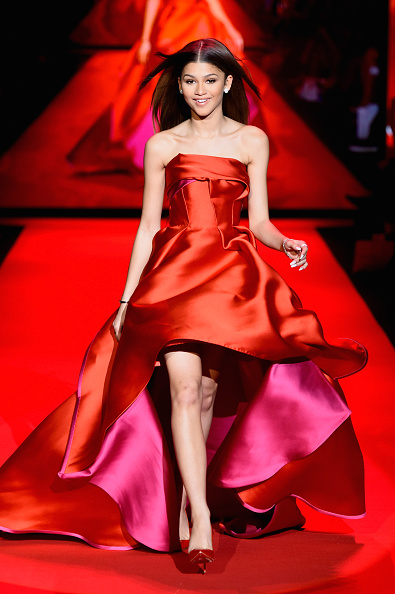 Mercedes-Benz Fashion Week「Go Red For Women Red Dress Collection 2015 Presented By Macy's At Mercedes Benz Fashion Week - Runway」:写真・画像(0)[壁紙.com]
