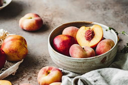 Peach「Ripe peaches in a bowl」:スマホ壁紙(9)