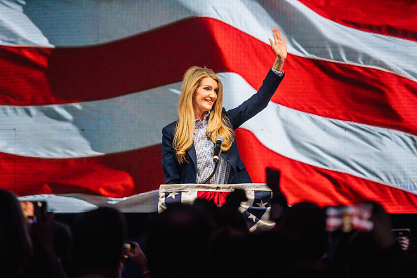 Kelly public「Republican Senate Candidates Hold Election Night Party In Georgia」:写真・画像(11)[壁紙.com]