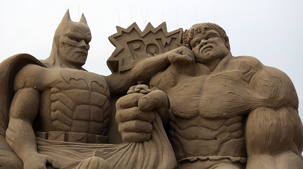 Weston-super-Mare「Sculptors Place The Finishing Touches To Their Hollywood Themed Sand Sculptures」:写真・画像(8)[壁紙.com]