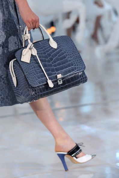 Pascal Le Segretain「Louis Vuitton: Runway - Paris Fashion Week Spring / Summer 2012」:写真・画像(19)[壁紙.com]