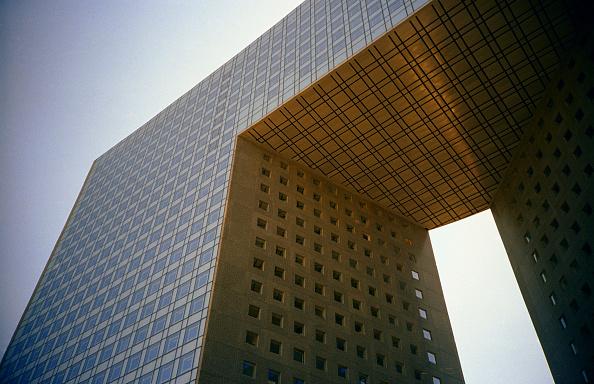 Low Angle View「Detail of a building, Paris La Defense, France」:写真・画像(3)[壁紙.com]