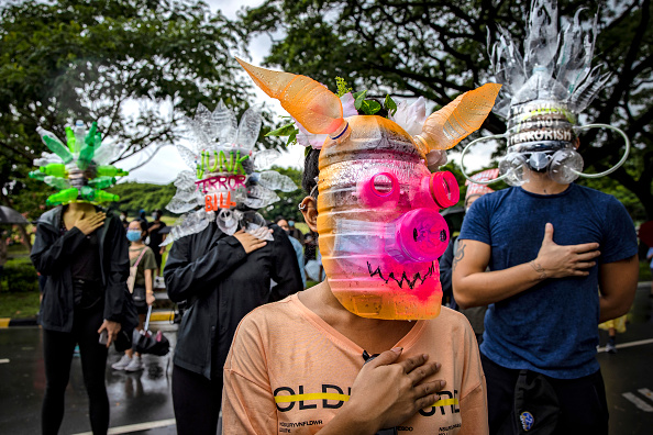 Infectious Disease「Filipinos Protest Against Duterte's Anti-Terror Bill In Manila」:写真・画像(14)[壁紙.com]