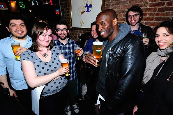 Comedy Film「Comedian And Actor Godfrey Hosts Comedy Movie Trivia Night For Heineken During Tribeca Film Festival In NYC」:写真・画像(18)[壁紙.com]