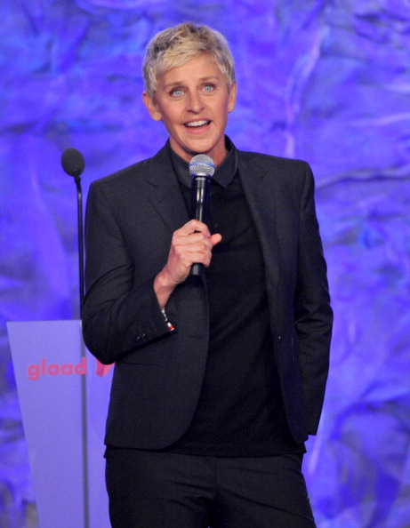 Comedian「23rd Annual GLAAD Media Awards Presented By Ketel One And Wells Fargo - Dinner and Show」:写真・画像(6)[壁紙.com]