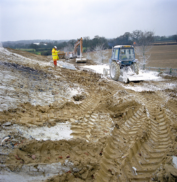 Agricultural Machinery「Growndworks on brownfield site」:写真・画像(13)[壁紙.com]